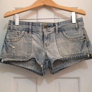 AE light wash distressed denim shorts